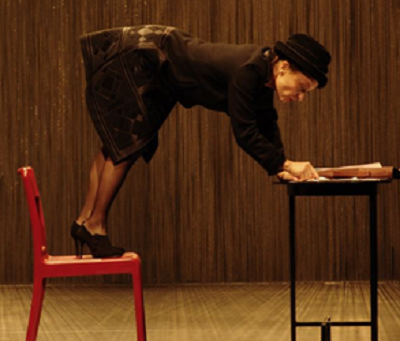 Isabelle Karajan (Jeanne) dans Le garçon du dernier rang, Théâtre de la Tempête, 2009 © Antonia Bozzi