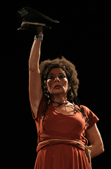 Actress: Adria Santana, in Medea sueňa Corinto, by Abelardo Estorino. Director: Abelardo Estorino. Light: Carlos Repilado. Set design and costumes: Eduardo Arrocha. Music: Juan Piňera, Premiere: 2008 © Jorge Luis Baňos