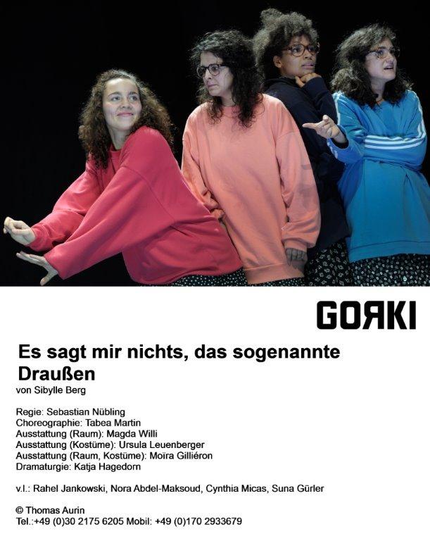From left: Rahel Jankowski, Nora Abdel-Maksoud, Cynthia Micas and Suna Gürler in the Maxim Gorki Theatre production of Es sagt mir nichts, das sogenannte Draußen. Photo by Thomas Aurin