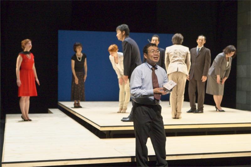 """Oriza Hirata, """"Par-dessus Bord"""" (2009). Photo by T. Aoki"""