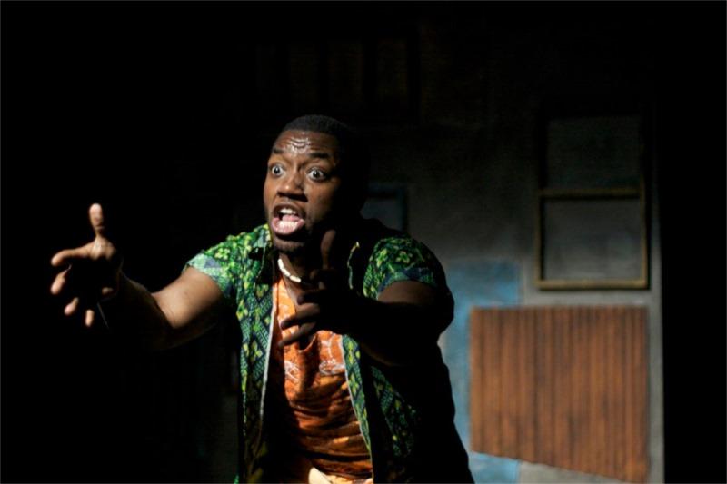 Chinaza Uche in Bintou, de Koffi Kwahulé, mise en scène de David Mendizabal, Harlem School of the Arts, 2010 © Tristan Fuge.