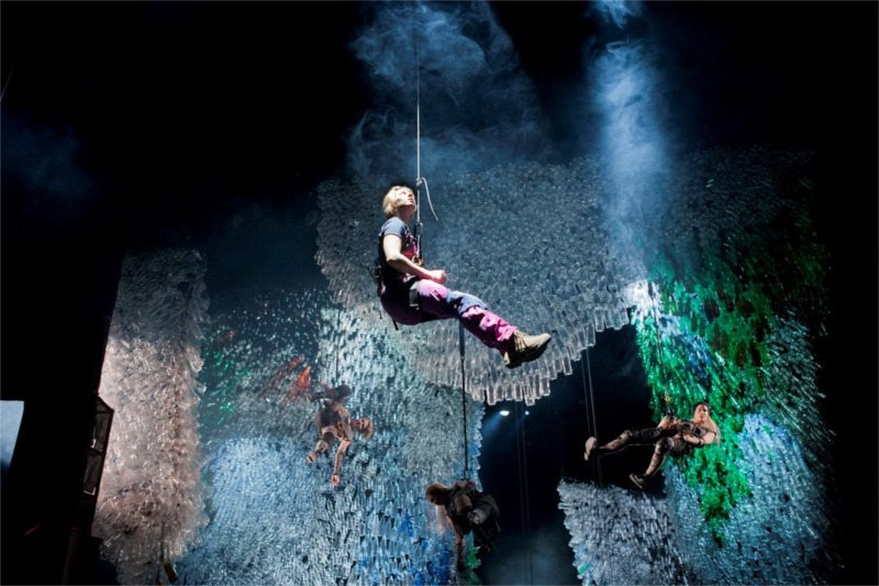 The stalagtites of the deepest depth: the speleologist (Alma Pöysti), the Former Ones (Helmi-Leena Nummela, Katja Salminen, Emilia Kokko). Photo by Stefan Bremer