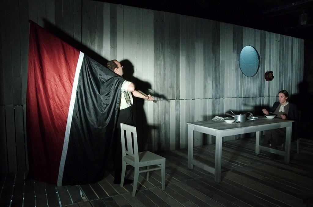 Helver's Night by Ingmar Villqist, directed by Aleksandr Bargman, at Academic Theatre for Drama Vera Komissarzhevskaya of Sankt Petersburg. Photo by TNB