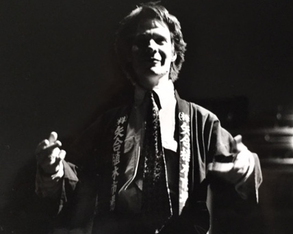 Peter Sellars, director and translator for Hang on to Me, rehearsing at the Guthrie Theater the Maxim Gorky and George & Ira Gershwin musical (1984). Dramaturg: Mark Bly. Photo: courtesy of the Guthrie Theater