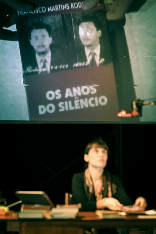 The Living Museum of Small, Forgotten and Unwanted Memories, by Joana Craveiro / Teatro do Vestido. Photo: João Tuna.