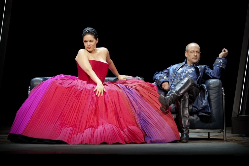 Opera singers Kirstin Chavez and Christian Miedl in Luca Francesconi's contemporary opera Kvartett, sung in English at Malmö Opera. Photo by Malin Arnesson.