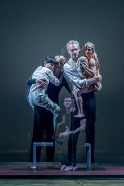 Ilan Galkoff, L Williams, A Wright, Eve Benioff Salama, Luke Thompson in Oresteia. Almeida. By Manuel Harlan.