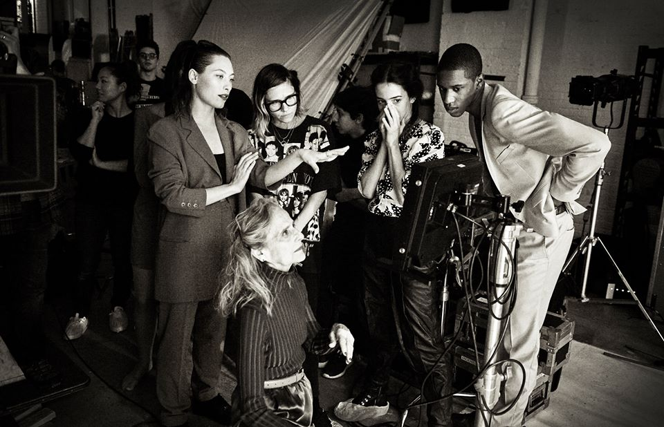 """Playback session, music video for """"U Know I Know,"""" by Samantha Urbani. Pia Vinson, choreographer (standing left); Marnie Thomas Wood, dancer (kneeling front). https://www.youtube.com/watch?v=317LgVuagBo, uploaded Feb. 8, 2016. Photo: Andy Boyle"""