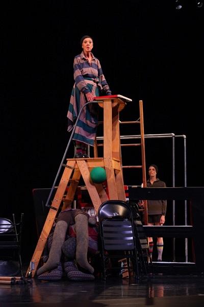 Valda Settefield as Shakespeare's Chorus in David Gordon'sDancing Henry V. Photo: Paula Court