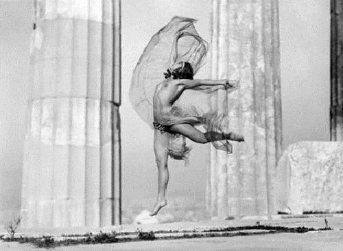 Nikolska at the Parthenon, 1929. Photo: Nelly