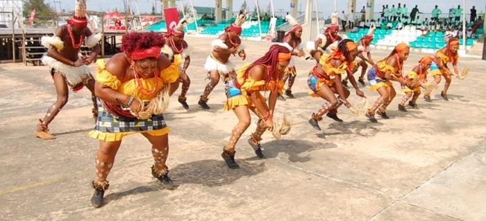 Open Air Atilogwu Dance performance freely enjoyed by members of the community. Credit: Emmanuel Dandaura