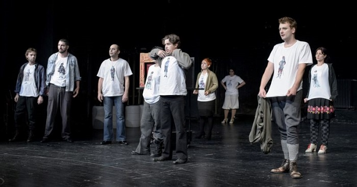 "In theatre's ""times of crisis,"" T-shirts with printed characters work as costumes. Photo by Márton Bíró"
