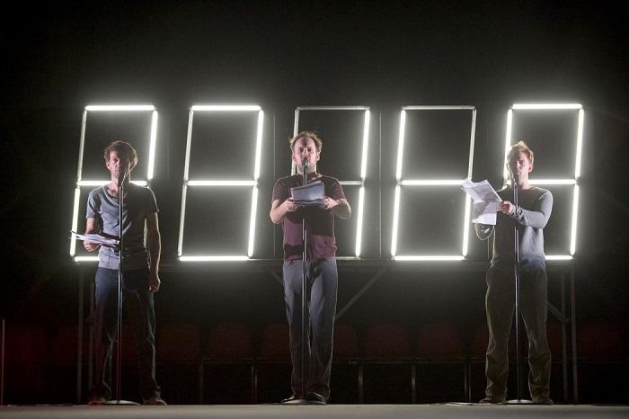 Image 1: Sebastian Rudolph, Felix Knopp, Sebastian Lommatzsch in Die Schutzbefohlenen. Photo: Thalia Theater/Krafft Angerer.