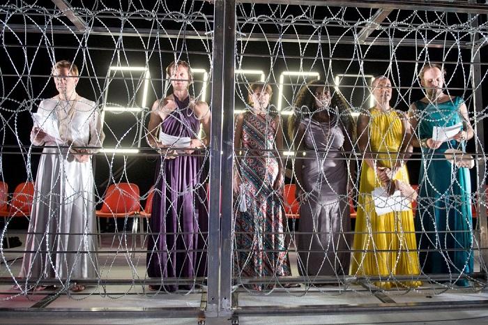 The ensemble of Die Schutzbefohlenen. (l-r: Daniel Lommatzsch, Sebastian Rudolph, Barbara Nuesse, Thelma Buabeng, Ernest Allan Hausmann and Felix Knopp.) Photo: Thalia Theater/Krafft Angerer