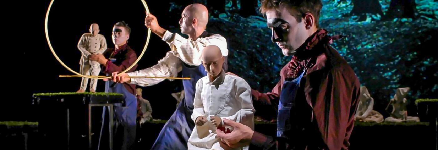 A <em>Fin de Siècle</em> Life in Puppet Theatre:
