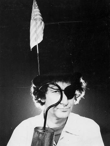 8 Boal in a playful demonstration of his play, written in Buenos Aires, O grande acordo internacional do tio Patinhas (El gran acuerdo international del tipo Patilludo), 1971 © Augusto Boal Archive UNIRIO