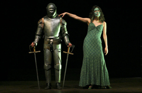 "Macbeth, dir. David Zinder, the Tamasi Aron Theatre, Svantu Gheorghe, Romania, March 2006. Mad scene, the ""royal couple"" at the end of the play. At left: Tibor Palffy (Macbeth). Ath right: Gizsela Kicsid (Lady Macbeth). © Zsolt Barabas."