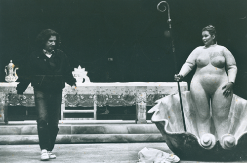 20 Rehearsal of Erendira, adapted from Gabriel García Márquez's novel and directed by Boal, Théâtre de L'Est Parisien, Paris, 1983 © Jacques Gayard (Courtesy of Augusto Boal Archive UNIRIO)