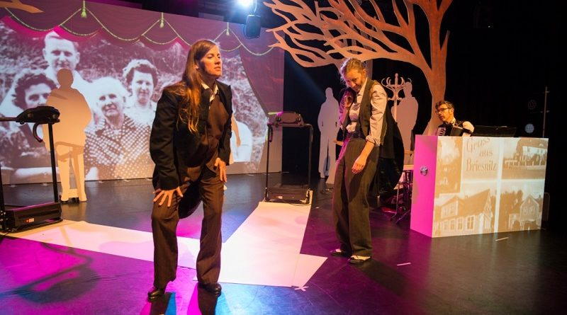 No Woman's Land:  Walking as a Dramaturgical Device in Performance of Maternal Migration