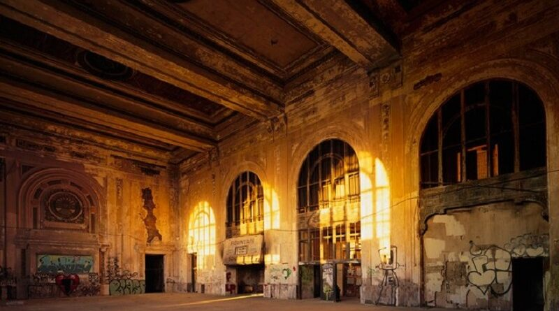 Drive-In Theatre: The World at Oakland's Beaux-Arts Train Station
