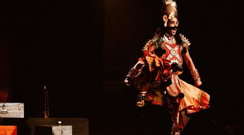Destabilizing Impersonation, Cleaving Gender Non-conformity: Akshayambara and Lady Anandi
