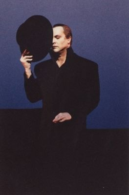 Robert Wilson in Hamlet Monologue