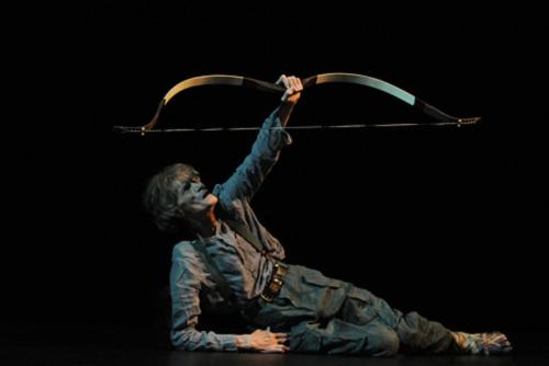 Laurent Terzieff dans Philoctète, de Jean Pierre Siméon, Théâtre de l'Odéon Théâtre de l'Europe, Saison 2009/2010 © Christian Ganet.