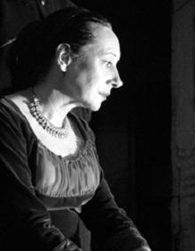 Fernanda Lapa in Agamémnon ou o crime, Escola de Mulheres, 2001 © Rui Pedro Pinto