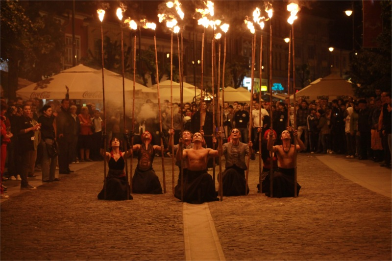 Salamandre Theatre: Fire Performances