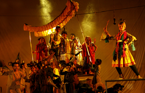 "Bommanahalliyile Kinnara Yogi (The Yogi with Kinnara at Bommanahalli) - written by Chandradasan based on the poem by Kuvempu, adapted from Browning's ""Pied Piper of Hamelin"" - directed by Chandradasan - performed by Mazhavillu, the children's theatre Kochi - venue - Changampuzha Park Edappalli - premiered on 17 May 2010 - actors from left clockwise ; Arun, Unni Madhav, Nikhil Viswam, Gauri Krishna, Amar Mohan, Govind Nambiar, Aravind R, Sreenandini, Devasree Mohan, Aswathy KS, Jayabhami, Dhruvakumar, Jayasurya, Amal, Gauri Murali ... - photo by Jipson Sikhera."