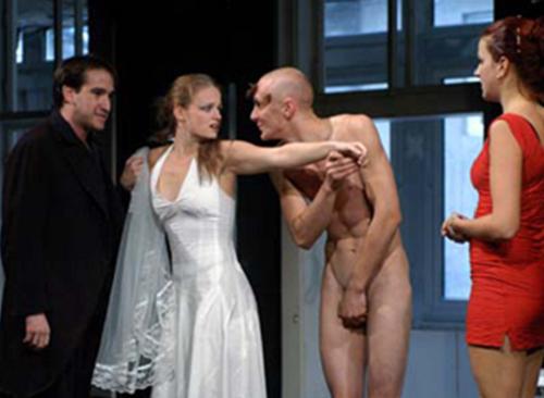 Three Penny Opera, mise en scène de Eszter Novák.
