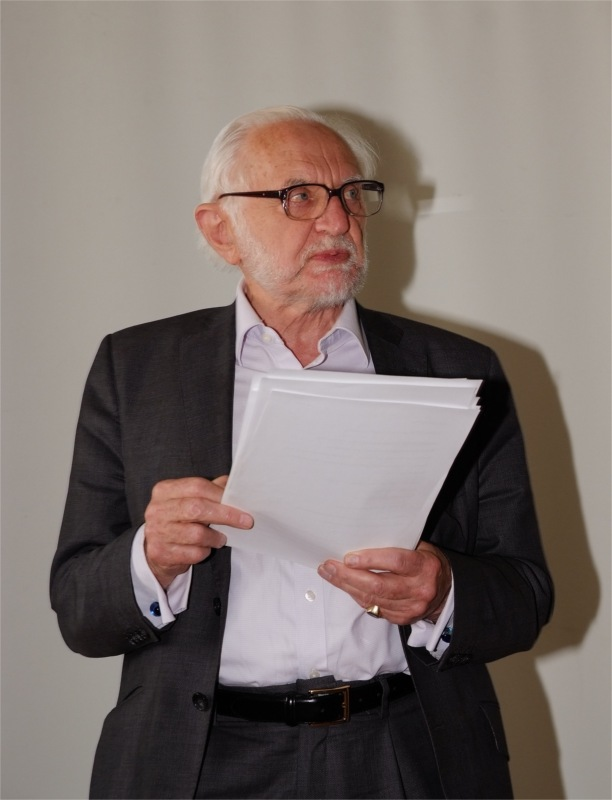 "Stanley Wells at the Seminar ""Worldwide Hamlet in Performance and Translation"""