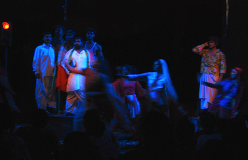 Abhayarthikal (The Refugees) - written by G. Sankara Pillai - directed by Chandradasan - performend by Lokadharmi, Kochi - Venue ; Changampuzha Park Edappalli, Kochi - premiered 03 October 2009 - actors ; Antony, Hari Krishnan, Ajikumar Thiruvankulam, Vysakh Lal, Madhubher, Karthika, Shaiju T Hamsa & Ammu - photo by Sudhi.