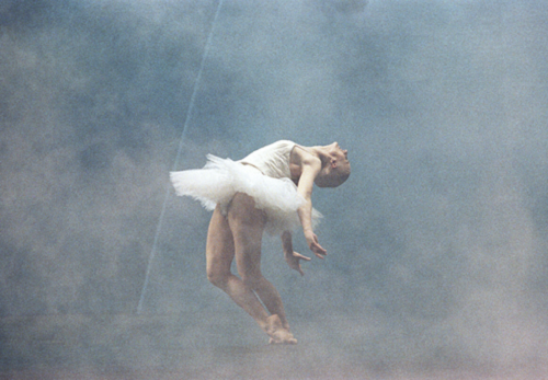 Swan Lake, by Tchaikovsky, choreographed by Mats Ek, 1987 © Lesley Leslie-Spinks