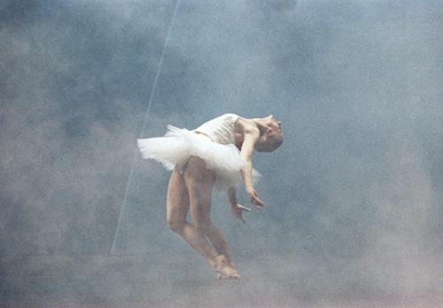 Swan Lake, by Tchaikovsky, choreographed by Mats Ek, 1987 © Lesley Leslie-Spinks