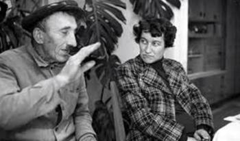 Erzsébet Galgoczi avec un parent en 1970.