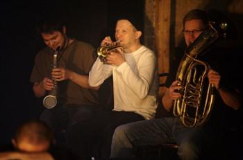 Mr Vertigo band: Verneri Pohjola (left), Joonas Riippa, Aki Rissanen. The Finnish National Theatre, 2010 © Antti Ahonen
