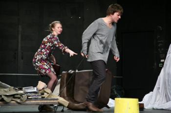 A scene from Misantrophe, Katona Jozsef Theatre © Daniel Domolky