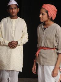 Charandas Chor, directed by Atish Indrekar Chhara, 15-09-2009 (Hardika Kodekar Chhara, Snehal Bangali Chhara) © Praveen Indrekar Chhara.