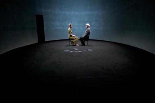 Jours souterrains d'Arne Lygre. Mise en scène Jacques Vincey. Au Studio Théâtre à Vitry, 2011 © Photo courtesy of Clair Amchin
