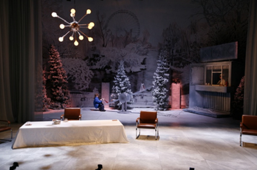 Så Blir Det Stilt, based on the book Så stillhet by Arne Lygre. Set design and costumes by Dordi Strøm. Light design by Gyril Høgberg. Directed by Torkil Sandsund at Det Norske Teatret in Oslo (Norway), 2009. © Kristin Lysegge