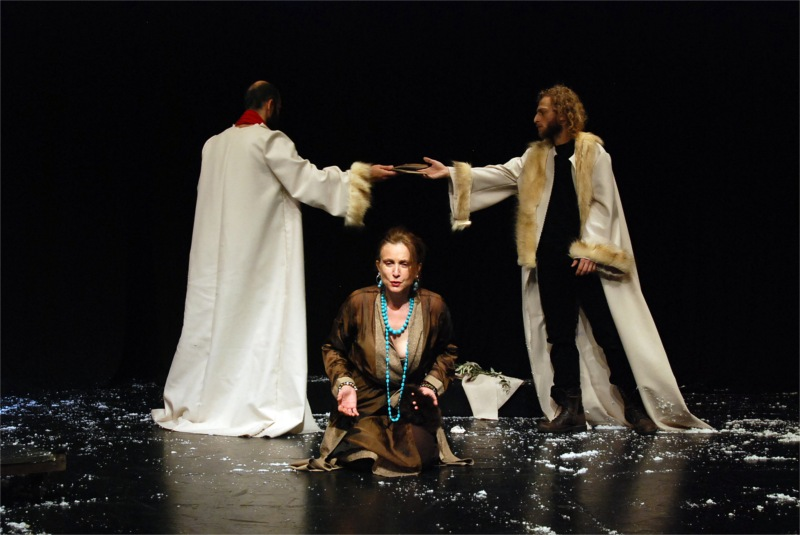Angelus Novus' minimalist and political reading of The Suppliants was presented at the Macedonian Museum of Contemporary Art (Thessaloniki, Greece) in 2010, under the direction of Damianos Constantinidis. Photo: the three members of the cast, Efi Drosou, Nikolaos Nikitakis, Nikos Ramos