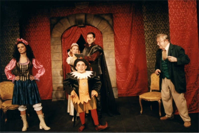 Silvana Ionescu, Annemary Ziegler, Ilie Georgian Petrica, Robert Radoveneanu and Ion Lucian in Beauty and the Beast by Charles Perrault, directed by Ion Lucian and Marius Nina at Excelsior Theatre in Bucharest (Romania) © Courtesy of Excelsior Theatre, March 2002