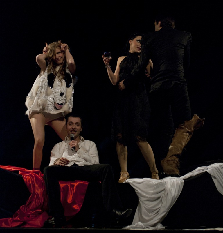 Nina Dean, Slavisha Kajevski, Sofia Nasevska and Borche Nachev in Don't You Faust Me, directed by Srdjan Janićijević at Macedonia National Theatre in Skopje (Macedonia) © Rantash