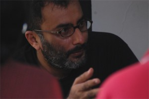 Ramu Ramanathan, Indian Playwright and Director, in rehearsals © Sarang Sathaye & Mohit Takalkar, 2010
