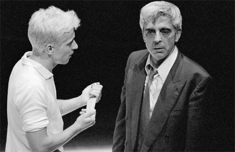 António Pedro Cerdeira, Luís Miguel Cintra, in Affabulazione, by Pier Paolo Pasolini, dir. Luís Miguel Cintra, Teatro da Cornucópia, 1999 © Archive of Teatro da Cornucópia.