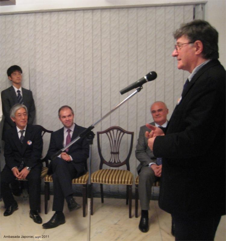 Ion Caramitru wins the Japanese Foreign Minister's Award 2011 © Courtesy of Teatrului Naţional (TNB)