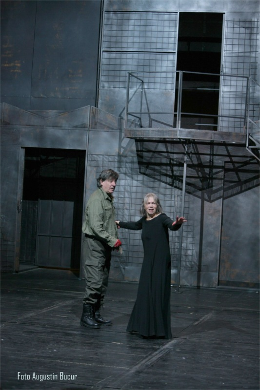"Ion Caramitru and Valeria Seciu in ""Macbeth,"" written by William Shakespeare, translated by Ion Vinea, directed by Radu Penciulescu at the National Theatre of Bucharest in Romania © Courtesy of Teatrului Naţional (TNB)"