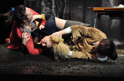 «Cassé» de Rémi De Vos; Mise en scène de Christophe Rauck; Théâtre Gérard-Philipe, Saint-Denis, France © Pascal LeFevre, Janvier 2012