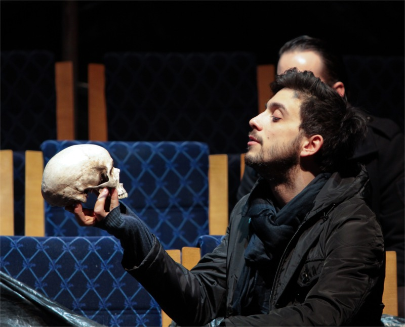 Hamlet (Tamás Szabó Kimmel) in the Hungarian National Theatre.